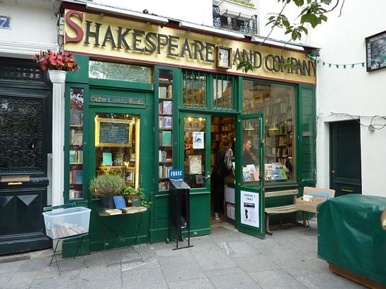 shakespeare-and-co-paris-bookstore